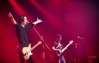 CHINASKI - Rockfield Tour 2016 - Zlín - obrázek 47